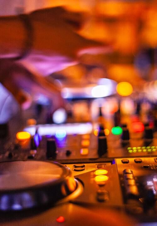DJ Performance